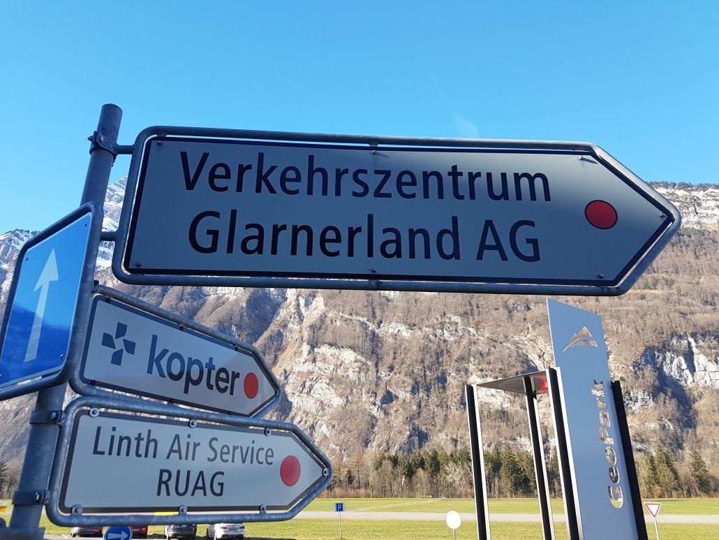 Verkehrszentrum Glarnerland AG Wegweiser